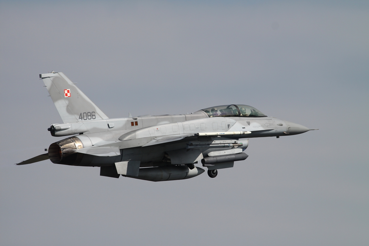 F-16D of Polish air force departing from Lechfeld