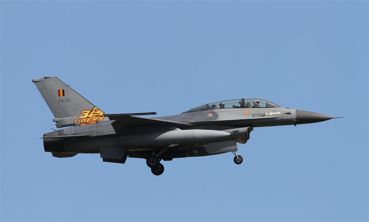 Belgian F-16B returning at the end of the afternoon